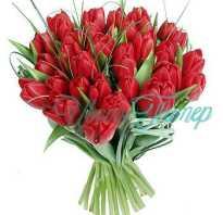 Какие цветы сочетаются с розами в букете